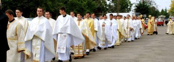 Carei-Biserica Sfantul Apostol Andrei -Sfintirea